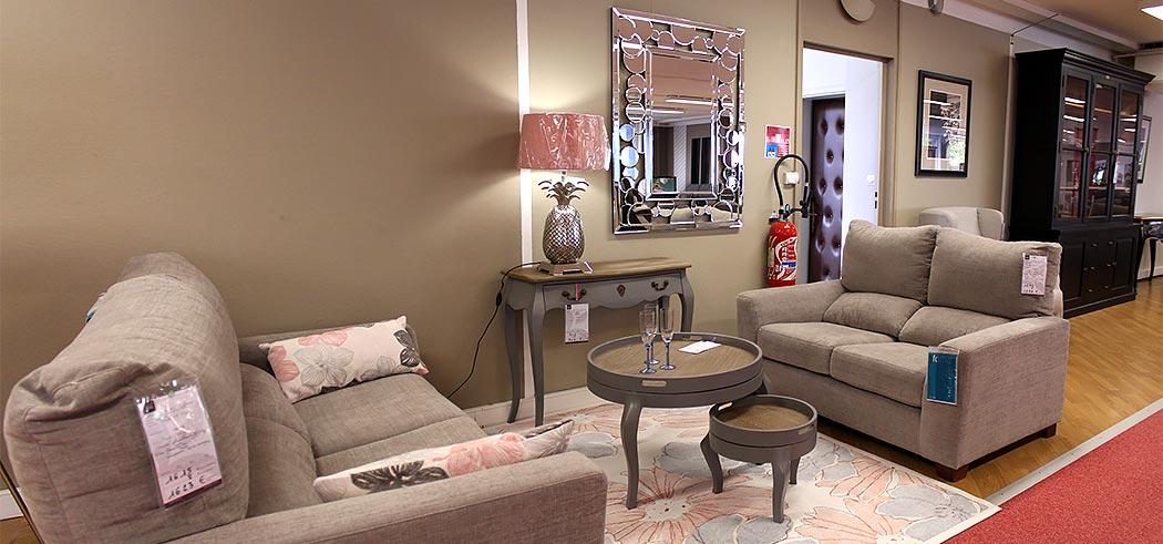 Notre Zone Salon Et Canapes Le Premier Etage Entierement Dedier Aux
